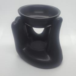 מבער יד אוחזת צלחת בצבע שחור